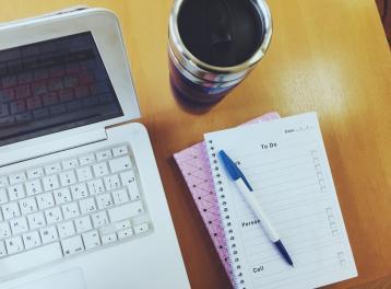 ٥ قوائم مهمة يحتاجها جميع رواد الأعمال