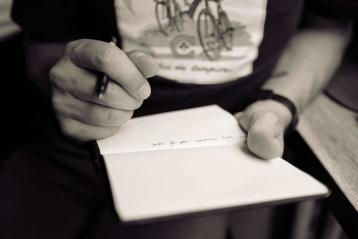 ٣ أشياء يجب أن تتفقدها قبل كتابة فكرتك
