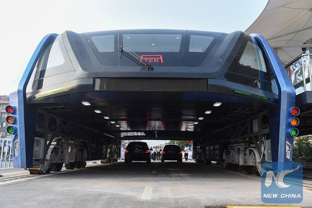 China Beats Traffic with The Transit Elevated Bus
