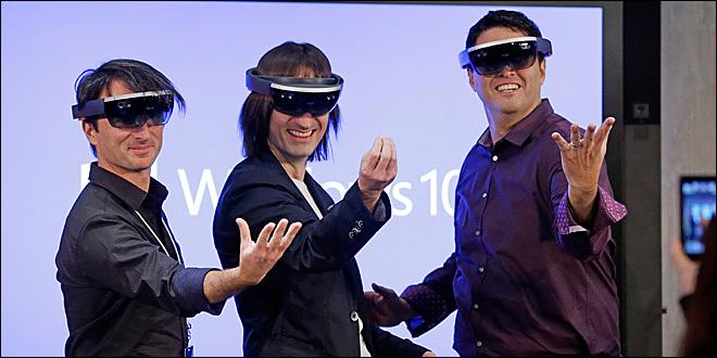 Nerd Fight – Microsoft Hololens vs. Google Glass