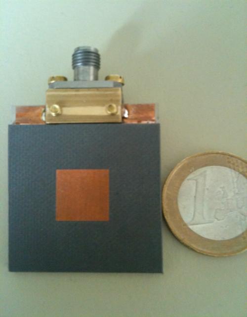 تصميم هوائيات عند تردد ٨٠ جيجا باستخدام تكنولوجيا السيراميك المسخن كعازل