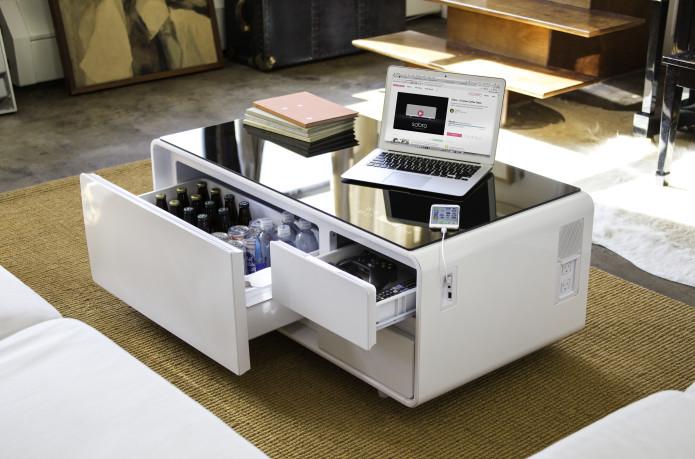 طاولة قهوة تكنولوجية