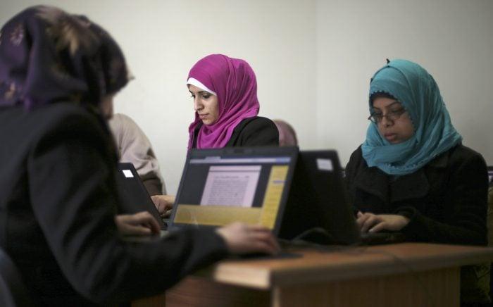 التكنولوجيا وتمكين المرأة: ما الذي يمكن أن تفعله التكنولوجيا للنساء العربيات