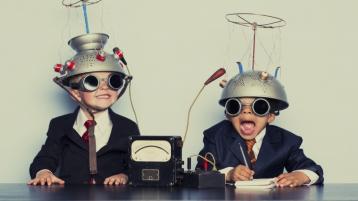ماذا تفعل إن لم تكن مبدعًا بالفطرة؟ ٣١ تكنيك لتعلم الابتكار والإبداع